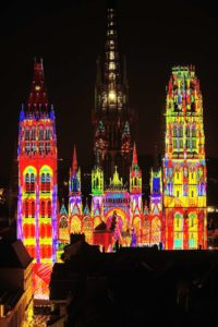 Rouen-Cathedralatnight